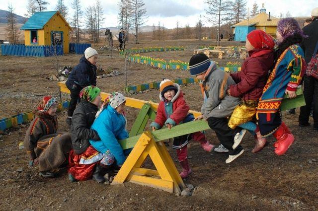 Ямальские школьники отправились в научную экспедицию в этностойбище