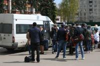 В Тюмени мужчина обворовывал пассажиров маршруток в «час пик»