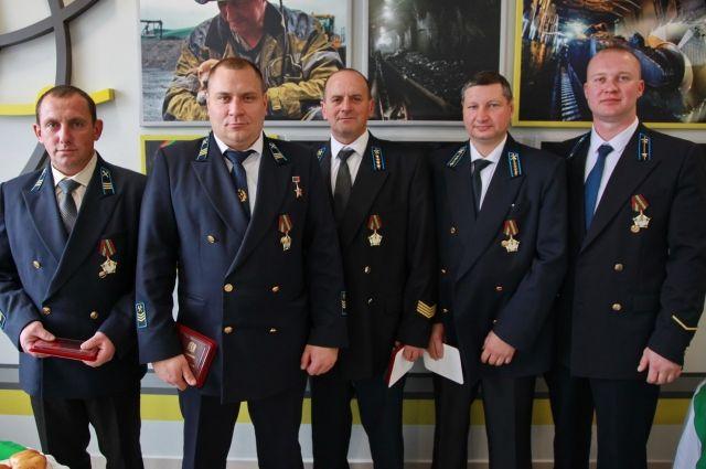 Бригада Героя Кузбасса Евгения Косьмина установила мировой рекорд добычи угля в августе установила мировой рекорд добычи угля.