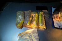 29-летнего ижевчанина задержали при попытке сбыта синтетических наркотиков. При себе у него был 1,2 кг запрещённых веществ.