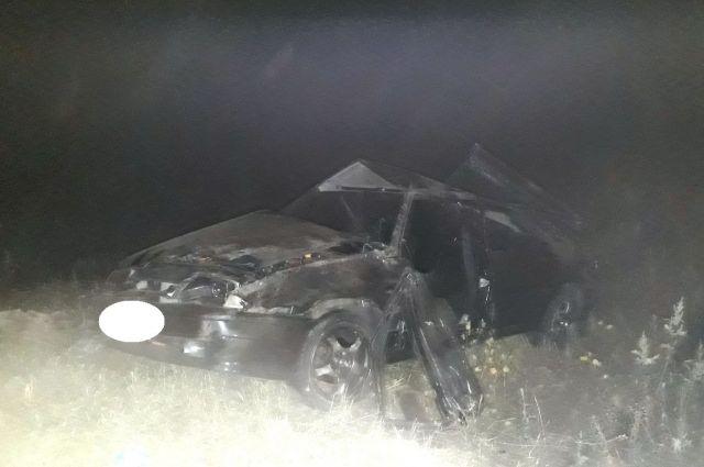 На трассе Оренбург – Акбулак «ВАЗ» слетел в кювет, погиб 22-летний водитель.