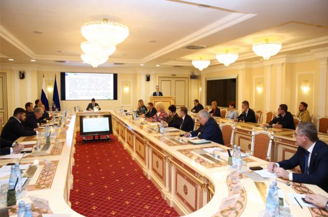 Дмитрий Артюхов провел в Салехарде Совет глав