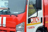 В Тюмени на улице Беляева сгорел прицеп «Шевроле»