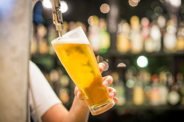 В Салехарде предпринимателя оштрафовали за торговлю просроченным пивом