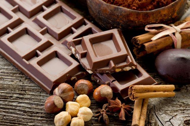 Шоколад помогает бороться с вирусами.