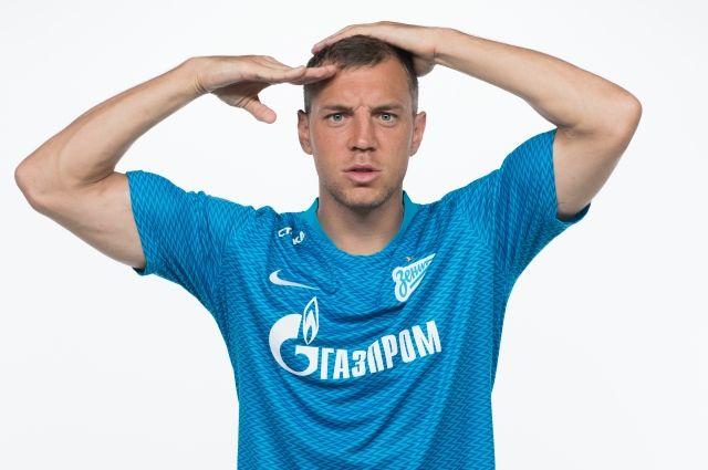После ЧМ-2018 этот жест Дзюбы стал фирменным для футболиста.
