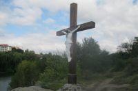 В Умани неизвестные лица повредили распятие Иисуса Христа