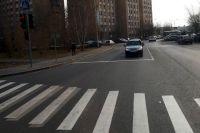 В Тюмени начинающий водитель легковушки на переходе сбил пешехода