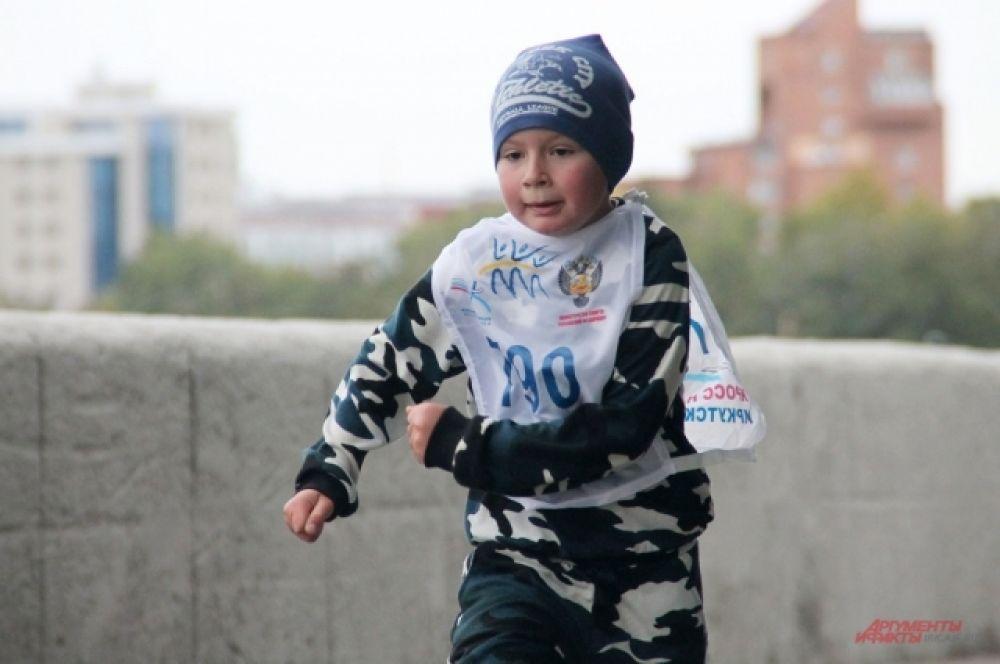 Участник детского забега.