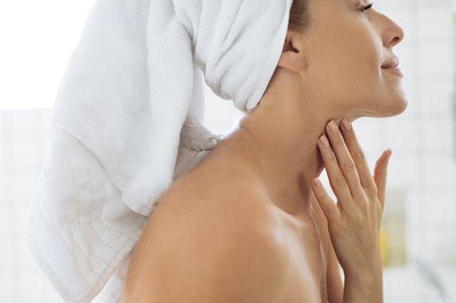 Как сделать маску против морщин на шее?