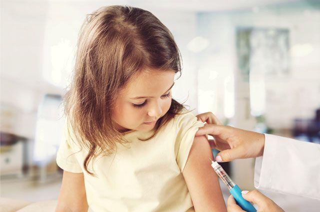 Аллергия — от прививок? Как вакцинировать детей и есть ли безопасные уколы