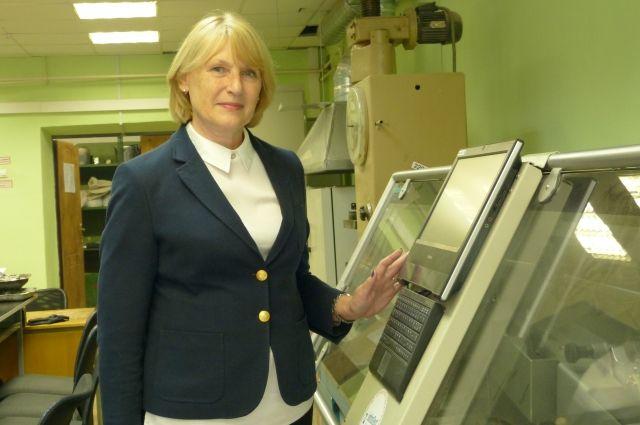 40 лет Людмила Щепетева учит «дорожников» и ни разу не пожалела, что оказалась в этой мужской профессии.