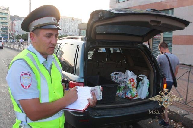 В Калининграде полицейские нашли у водителя-нарушителя 20 кг янтаря.
