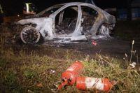 На месте происшествия работали три единицы спецтехники, бригада скорой, следственно-оперативная группа и взрывотехники.