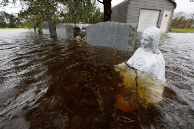Кладбище в Леланде, Северная Каролина.