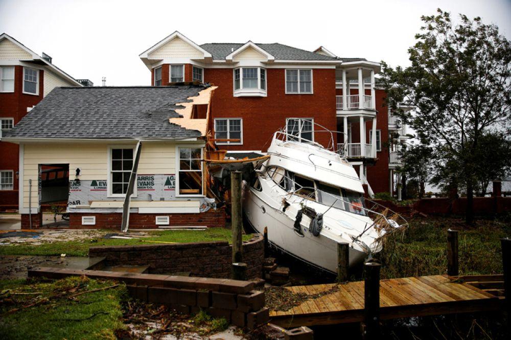 Разрушения, вызванные ураганом «Флоренс», в городе Нью-Берн, Северная Каролина.