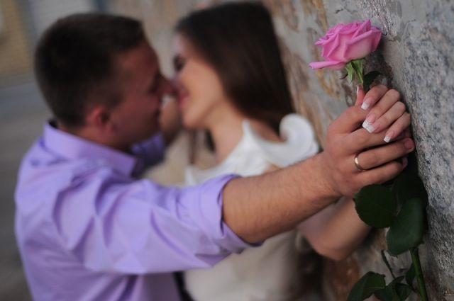 Природа любви к человеку и к фаст-фуду очень похожа.