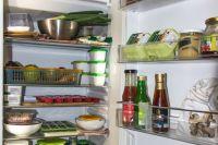 Пермяки не знают, стоит ли показывать содержимое холодильника классному руководителю.