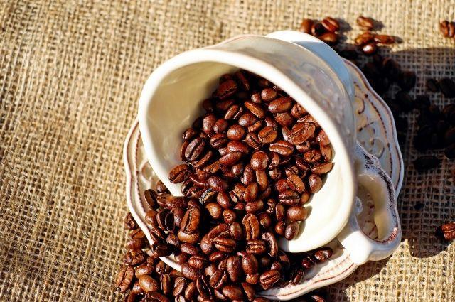 Поклонники кофе могут выпить не более двух чашек этого напитка в день.