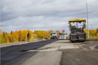 Работы на трассе «Подъезд к речному порту Салехард» завершат до 10 октября