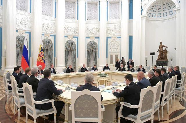 Александр Моор принял участие во встрече с избранными губернаторами