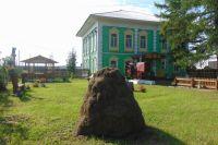 Село Красное с его памятниками архитектуры входит в «Золотое кольцо Кузбасса».