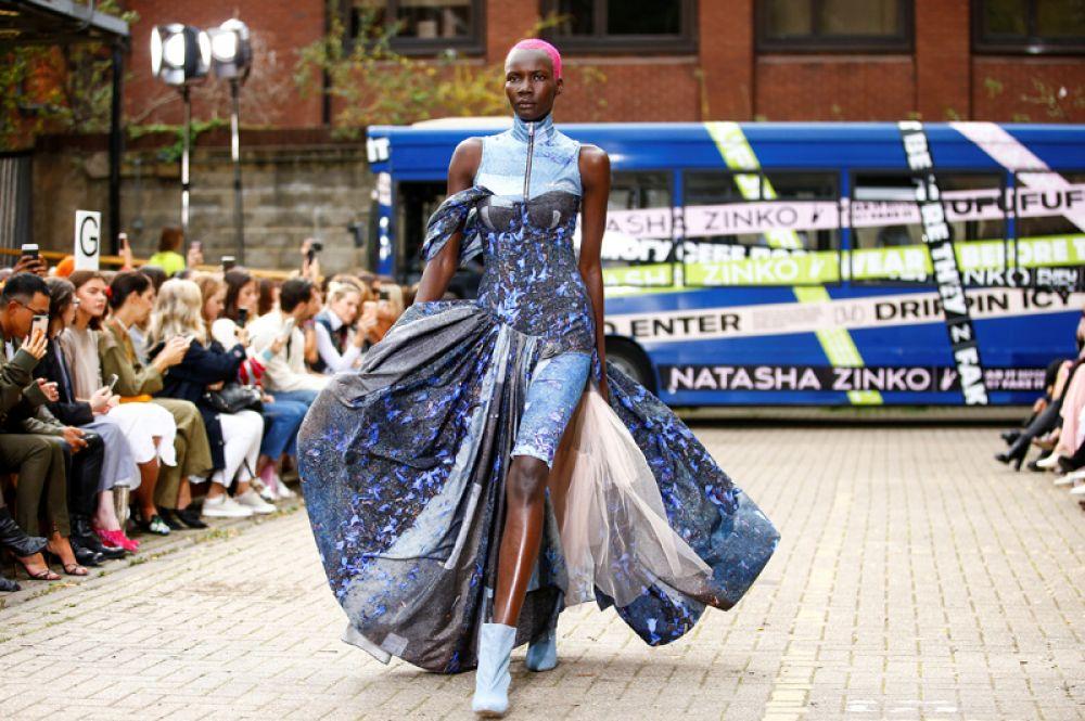 Платье от дизайнера Natasha Zinko.