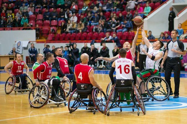 Долгое время баскетбол на колясках развивался только в Москве и Петербурге.