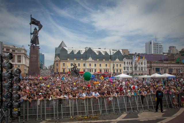 Столица Приморья празднует свой день рождения.