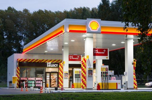 На заправке клиент не просто покупает топливо, а получает услугу.