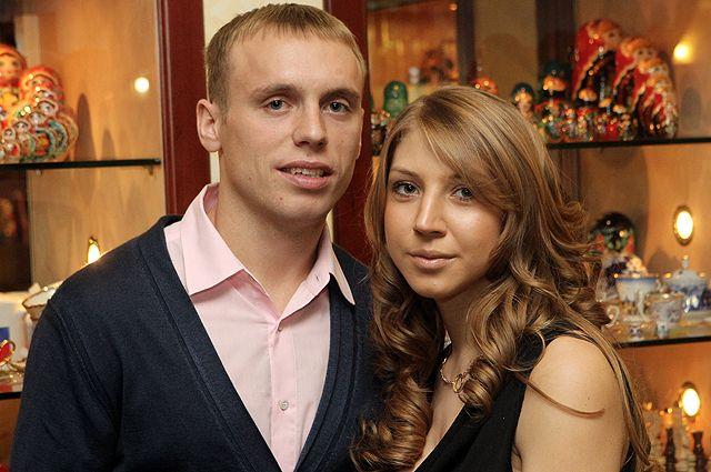 Денис Глушаков с супругой Дарьей. 2011 г.