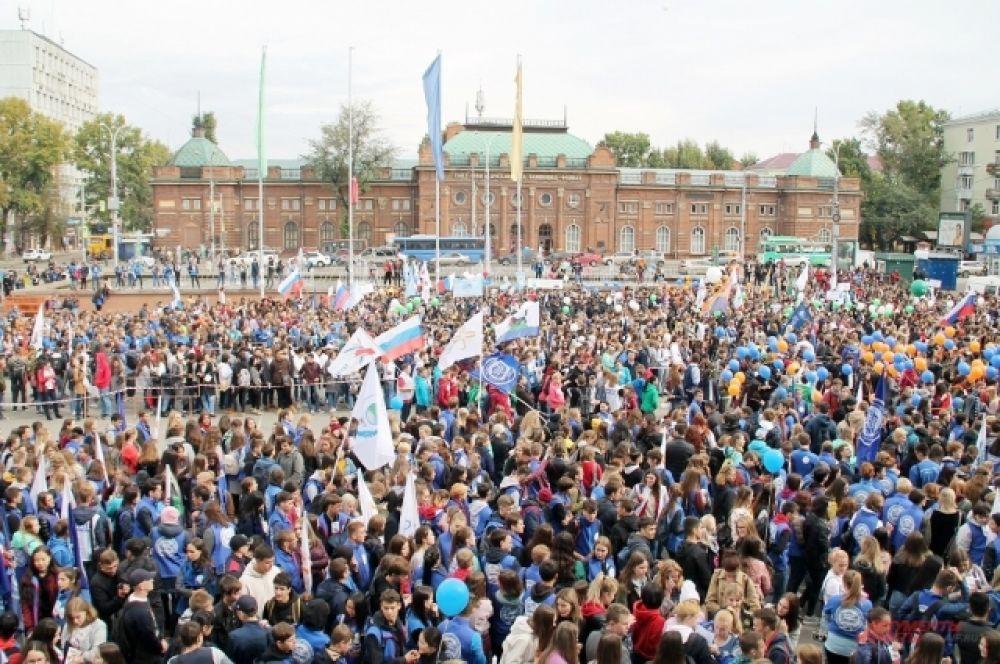 Финальной точкой шествия стала площадь перед Дворцом спорта «Труд».