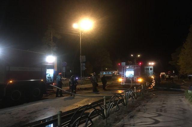 Предварительной причиной пожара в Ноябрьске назвали замыкание проводки