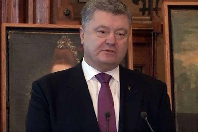 «Не заслужил». Почему Порошенко перестал быть почетным гражданином Вероны