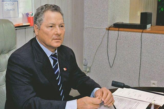 Адвокат уверен, что оснований для объявления в розыск и последующего задержания Тумаев не давал. По его словам, все контролирующие органы в Ижевске и Москве знали о том, куда направился его подзащитный.