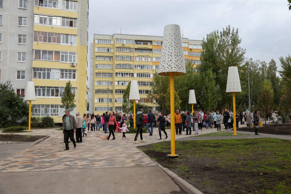 Бульвар на улице Юлиуса Фучика благоустроен в рамках программы развития общественных пространств.