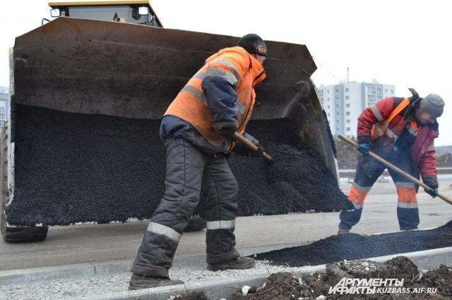 В тюменских селах Созоново и Борки отремонтировали дороги