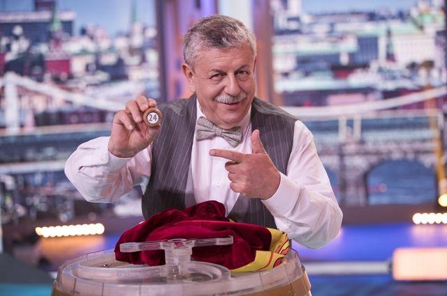 Михаил Борисов - бессменный ведущий передачи.