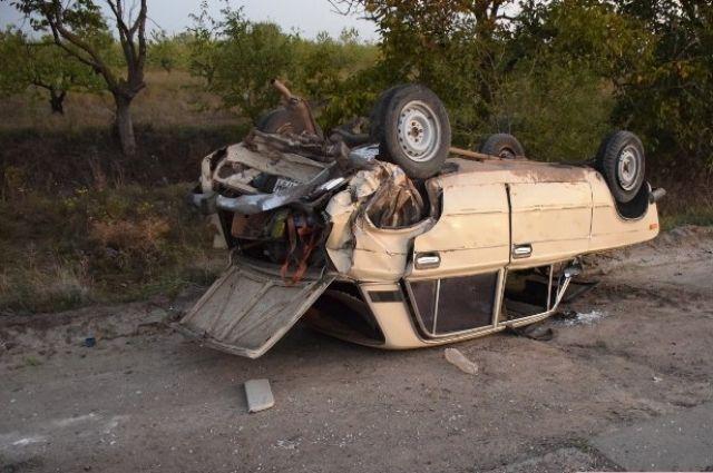 ДТП под Николаевом: автомобиль перевернулся на крышу, водитель сбежал