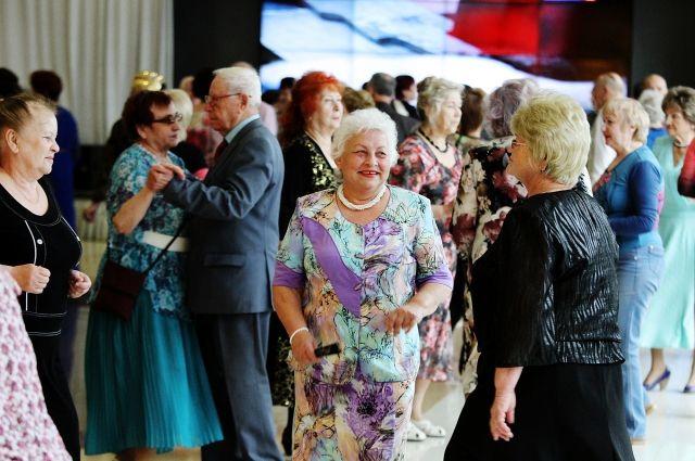 Пенсионеров поздравят с праздником.