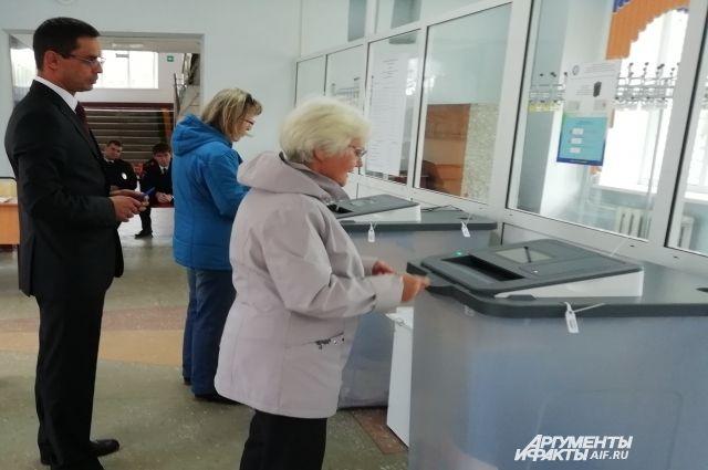 Накануне повторных выборов в труднодоступных районах Хабаровского края досрочно проголосовали две тысячи человек.