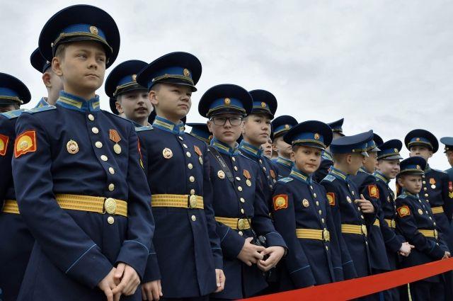 В ишимской школе ветеран боевых действий обучает кадетов рукопашному бою