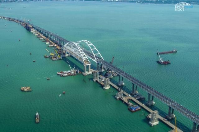 Опубликовано видео прохода военных кораблей Украины под Крымским мостом