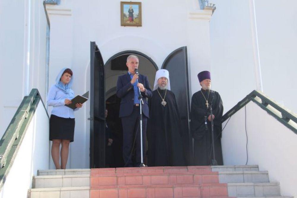 С приветственным словом к учителям православной культуры обратился губернатор Сергей Морозов.