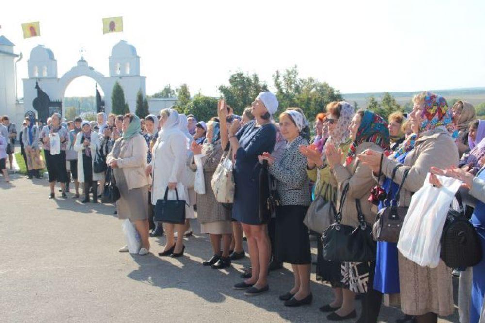 В празднике приняли участие педагоги и воспитатели, работающие в сфере духовно-нравственного воспитания и образования.