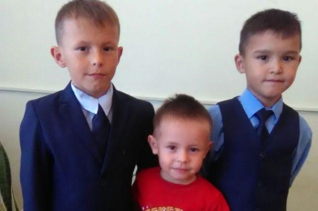 Айнур, Эльмир и Артур.