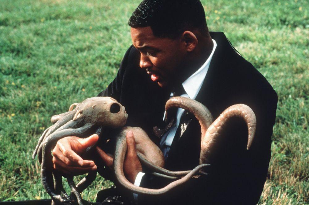 В 1997 году он снялся в одной из самых известных своих ролей — агента Джея в фантастической комедии «Люди в чёрном». Музыкальная тема к фильму в исполнении Смита тут же возглавила британские чарты.