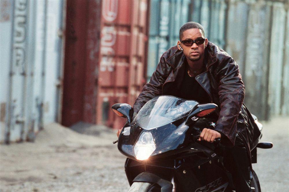 В 2004 году Уилл Смит вновь воплотил на экране образ полицейского, на этот раз в фильме «Я, робот».