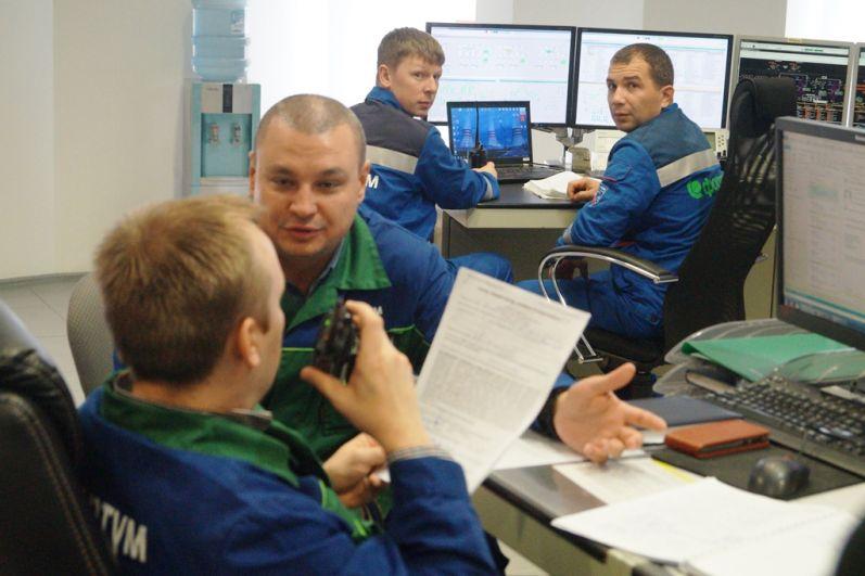 170 человек трудятся на электростанции. Практически все они энергетики с высшим образованием.