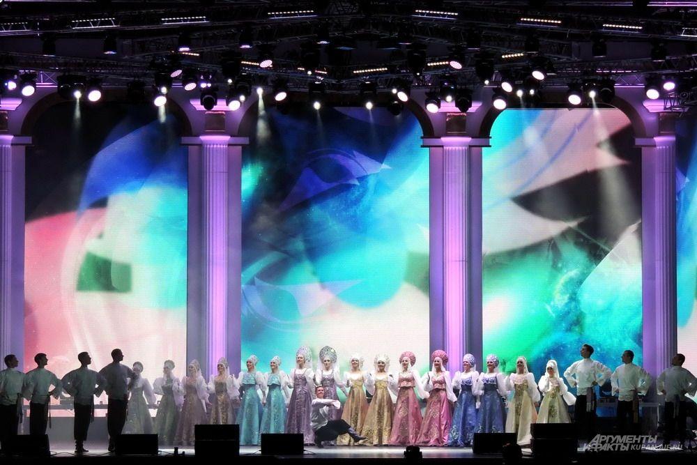 Гала концерт на Театральной площади, посвященный Дню города.